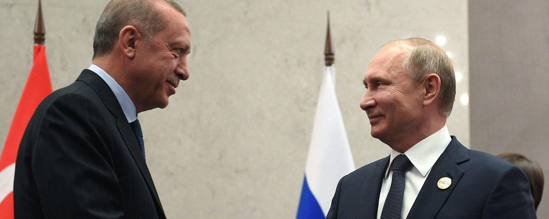 Президент РФ В. Путин на Десятом саммите БРИКС  в ЮАР - Sputnik Латвия, 1920, 30.09.2021