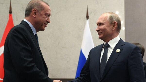 Президент РФ В. Путин на Десятом саммите БРИКС  в ЮАР - Sputnik Латвия