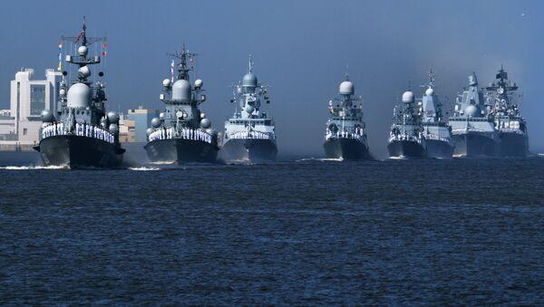 Корабли ВМФ России на главном военно-морском параде в Кронштадте - Sputnik Латвия
