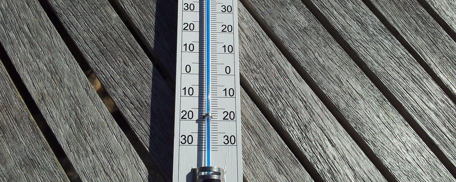 Уличный термометр - Sputnik Латвия, 1920, 03.07.2021