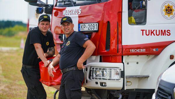 Латвийские пожарные  - Sputnik Latvija