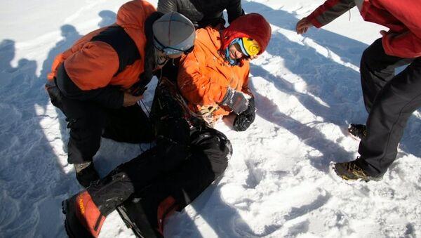 История спасения российского альпиниста в горах Пакистана - Sputnik Латвия