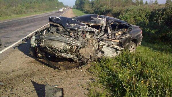 Тяжелая автоавария по вине пьяного водителя - Sputnik Латвия