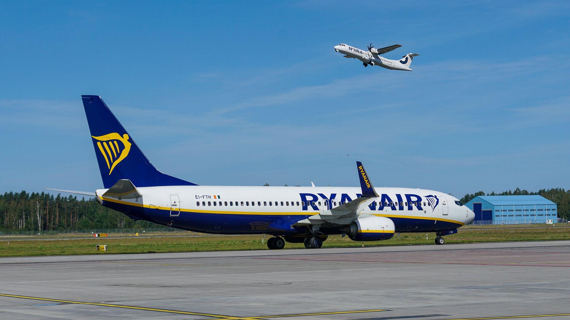 Самолет Boeing 737 авиакомпании Ryanair в аэропорту Рига - Sputnik Латвия, 1920, 16.06.2021