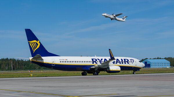 Самолет Boeing 737 авиакомпании Ryanair в аэропорту Рига - Sputnik Latvija