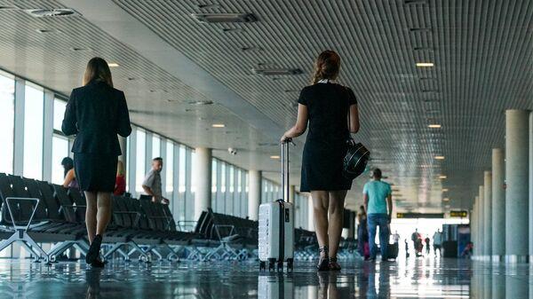 Пассажиры в аэропорту Рига - Sputnik Латвия