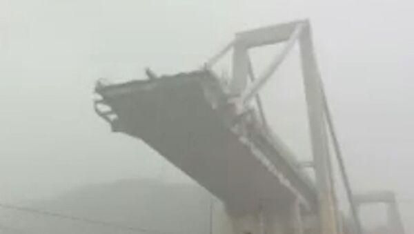 Обрушение моста в Генуе - Sputnik Латвия