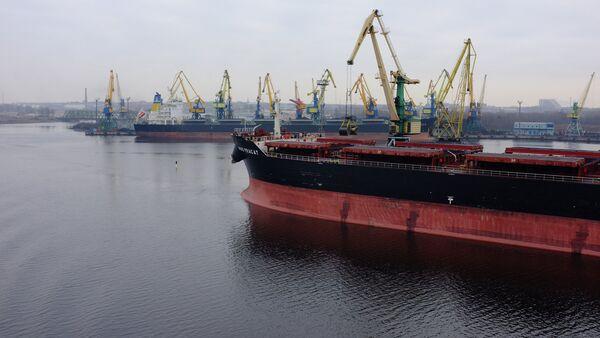 Грузовой порт в Риге - Sputnik Латвия