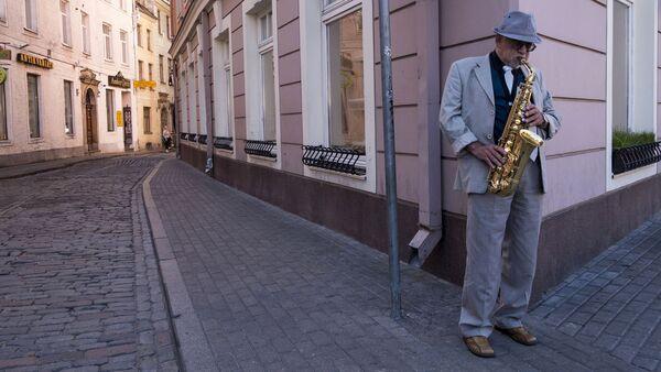 Уличный музыкант - Sputnik Латвия