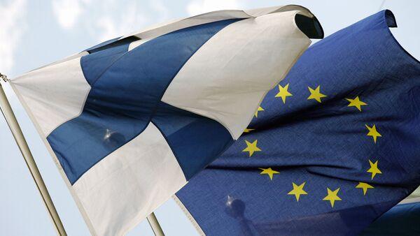Флаги Финляндии и Евросоюза - Sputnik Латвия