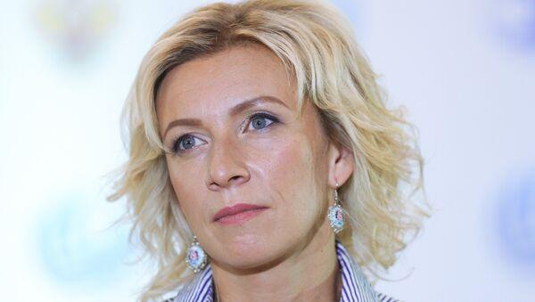 Официальный представитель министерства иностранных дел России Мария Захарова во время брифинга в Светлогорске - Sputnik Латвия