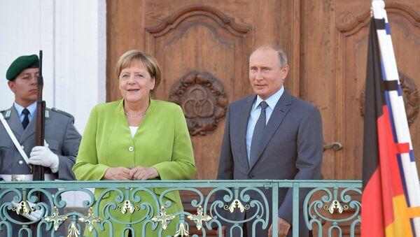 Рабочий визит президента РФ В. Путина в Германию - Sputnik Latvija