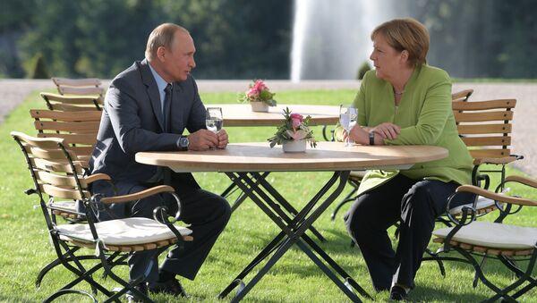 Рабочий визит президента РФ В. Путина в Германию - Sputnik Латвия
