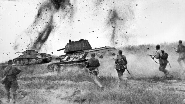 Атака соединений 5 Гвардейской танковой армии в районе Прохоровки, Курская дуга - Sputnik Латвия