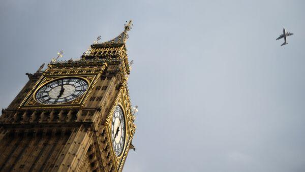 Часовая башня Биг Бен Вестминстерского дворца в Лондоне. - Sputnik Латвия