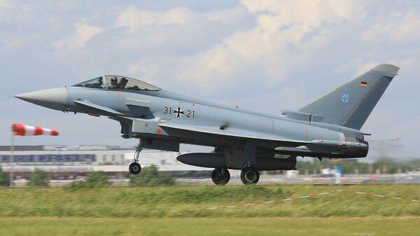 Истребитель Eurofighter немецких ВВС - Sputnik Latvija