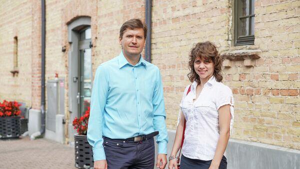Организаторы собрания Родители 2025 Константин Чекушин и Маргарита Драгиле - Sputnik Латвия