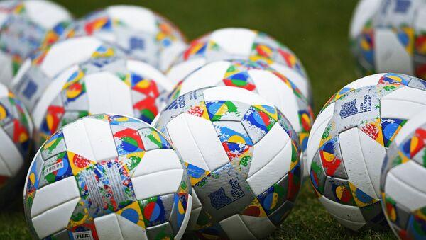Официальные мячи Лиги наций - Sputnik Латвия