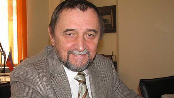Профессор, заведующий кафедрой нефтегазового дела и нефтехимии Дальневосточного федерального университета Александр Гульков - Sputnik Латвия
