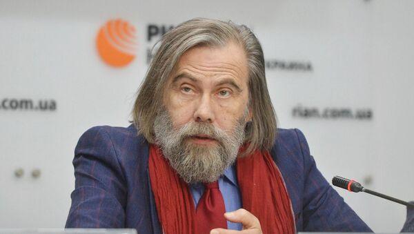 Украинский политолог, директор Киевского центра политических исследований и конфликтологии Михаил Погребинский - Sputnik Латвия