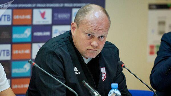 Тренер сборной Латвии по футболу Миксу Паателайнен - Sputnik Латвия