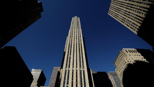 Здание Рокфеллеровского центра (Рокфеллер Плаза) в Нью-Йорке - Sputnik Латвия