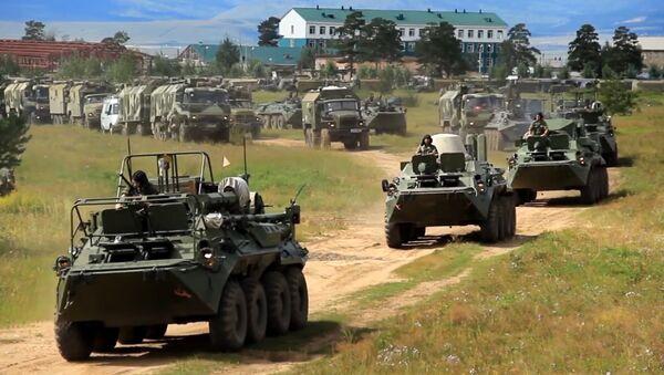 Армия России идет на Восток: начались крупнейшие за 40 лет учения - Sputnik Латвия