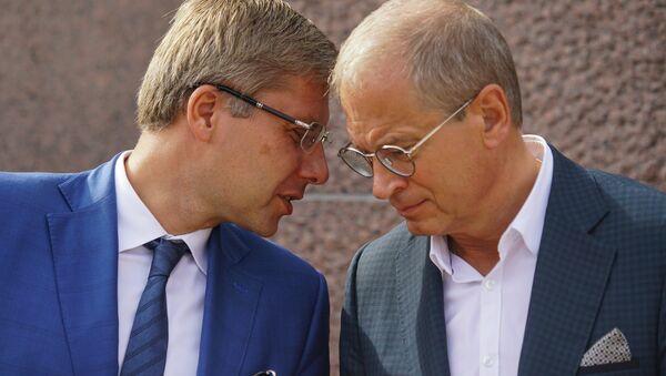 Мэр Риги Нил Ушаков и вице-мэр Риги Андрис Америкс - Sputnik Latvija