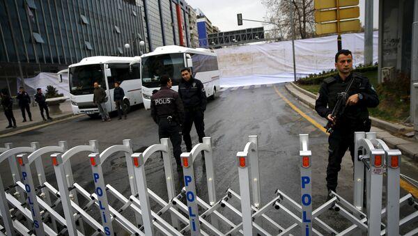 Оцепление полицией места теракта в Анкаре - Sputnik Латвия