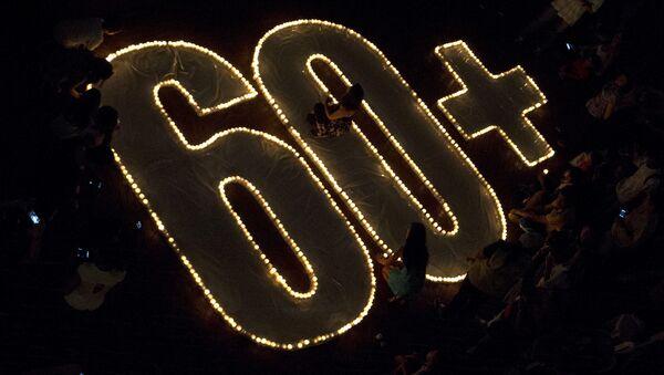 Свечи в день акция Час Земли - Sputnik Латвия