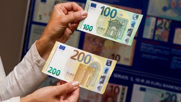 Презентация нового дизайна евробанкнот достоинством 100 и 200 евро - Sputnik Латвия