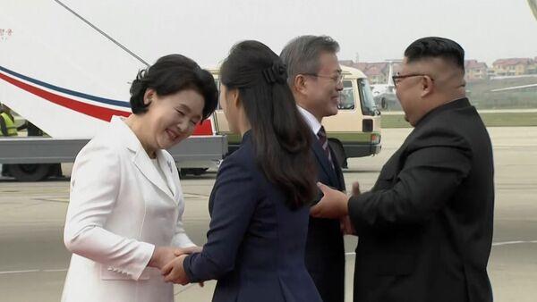 Встреча лидеров КНДР и Южной Кореи - Sputnik Латвия