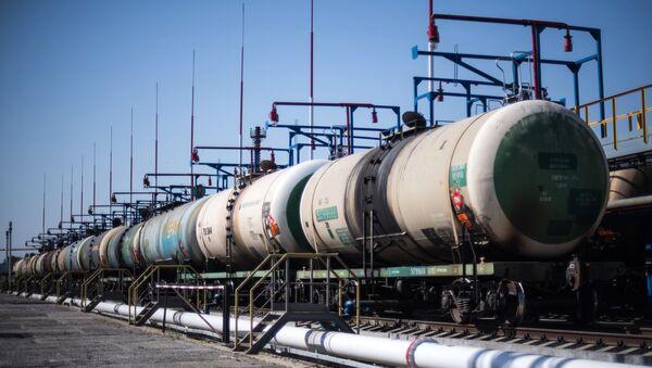 Цистерны на нефтебазе - Sputnik Latvija