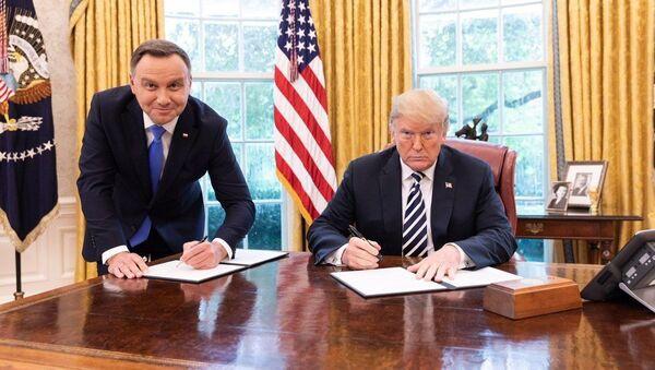 Встреча президентов США и Польши Дональда Трампа и Анджея Дуды - Sputnik Латвия