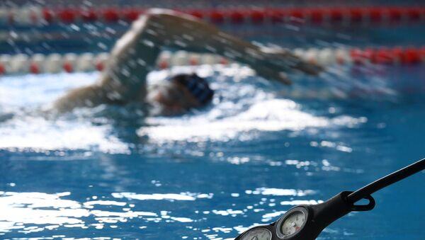 Заплыв в бассейне - Sputnik Латвия