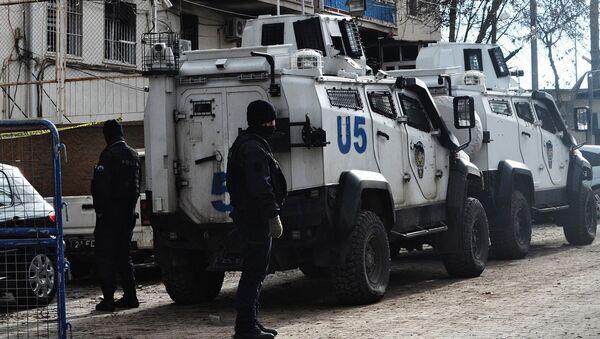 Полицейское оцепление вокруг места взрыва в Турции - Sputnik Latvija