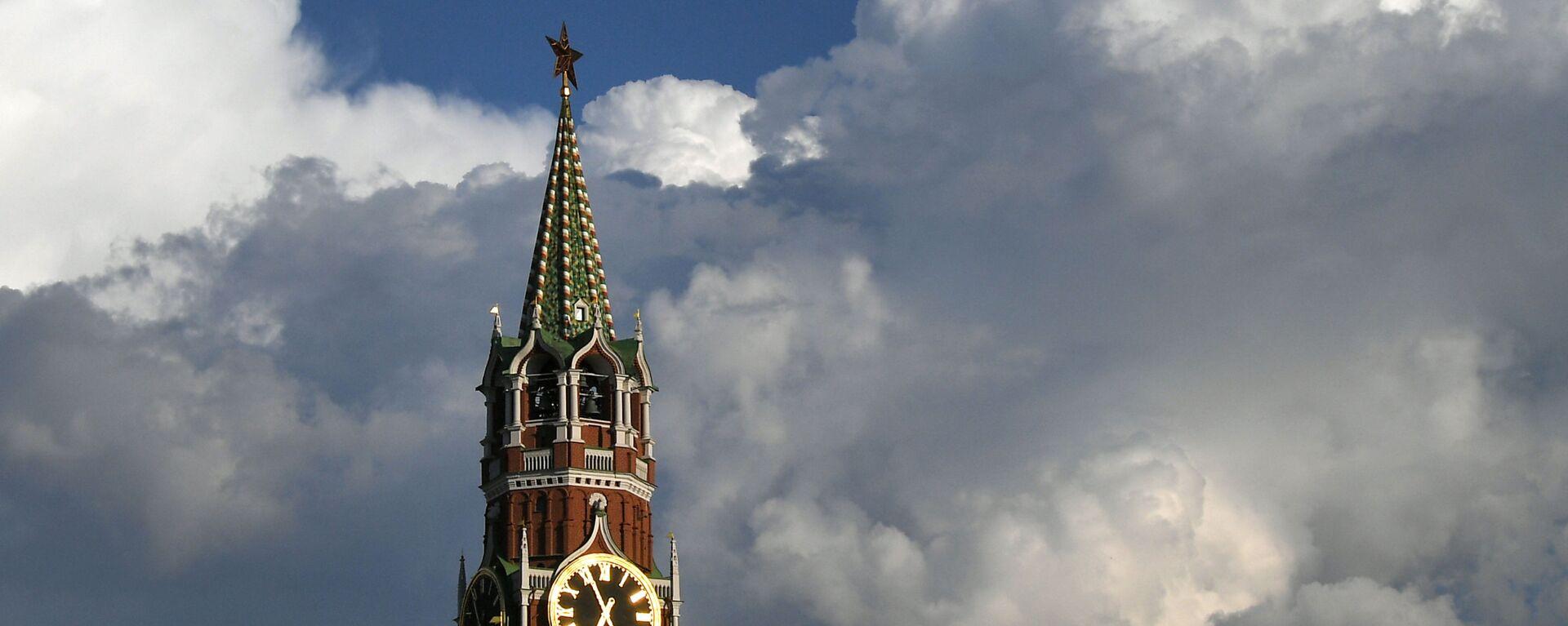 Спасская башня Московского Кремля - Sputnik Латвия, 1920, 28.06.2021