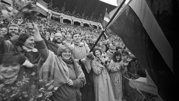 Митинг в поддержку создания Народного фронта Латвии, 9 октября 1988 - Sputnik Латвия