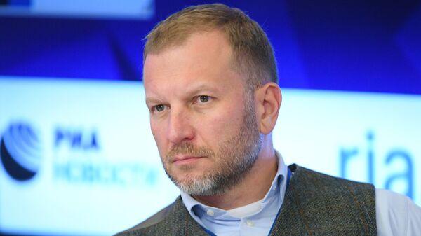 Директор Дирекции по коммуникациям и связям с общественностью МИА Россия сегодня Петр Лидов-Петровский - Sputnik Латвия