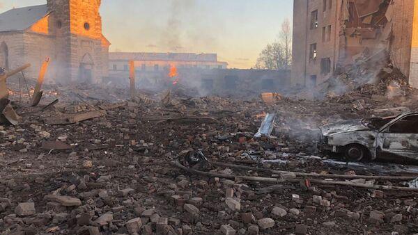 Кадры с места взрыва на заводе в Ленинградской области - Sputnik Латвия