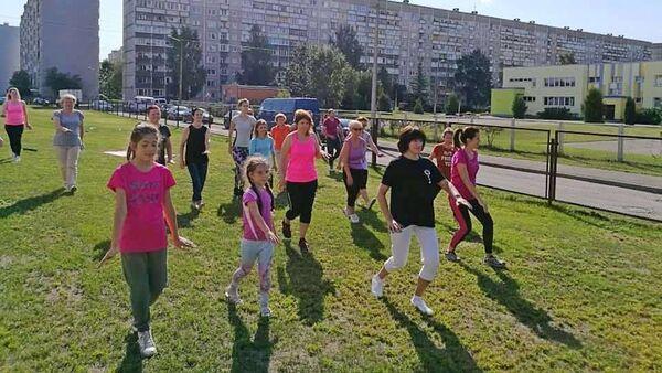 Китайская гимнастика цигун. Открытое занятие  - Sputnik Латвия