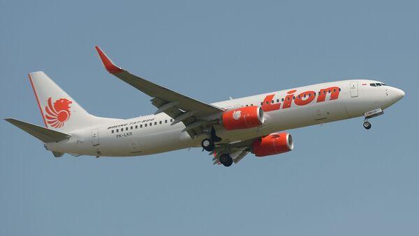 Aviokompānijas Lion Air pasažieru lidmašīna Boeing 737-800 - Sputnik Latvija
