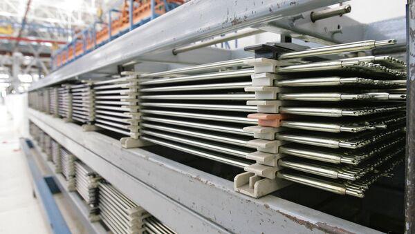Тепловыделяющие элементы (ТВЭЛ), использующиеся на атомных электростанциях - Sputnik Латвия
