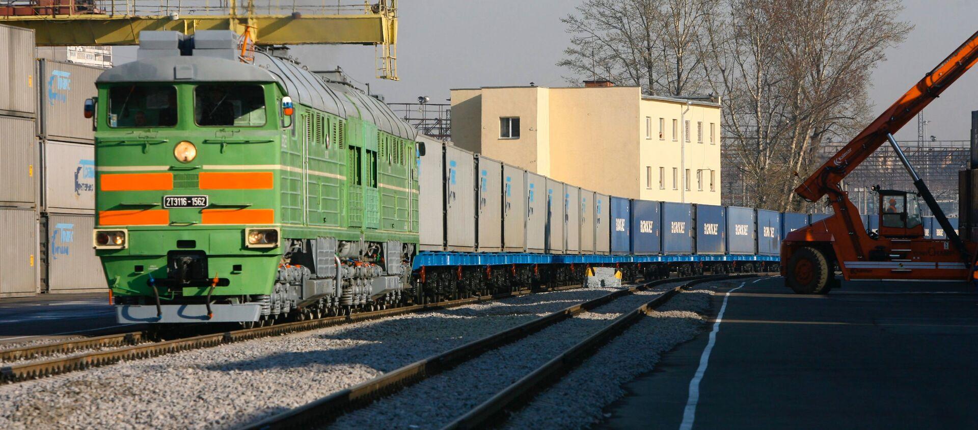 Контейнерный поезд - Sputnik Latvija, 1920, 31.03.2021