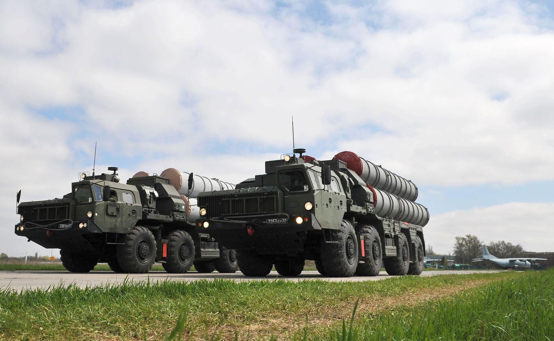 Зенитные ракетные комплексы C-400  - Sputnik Latvija, 1920, 02.10.2021