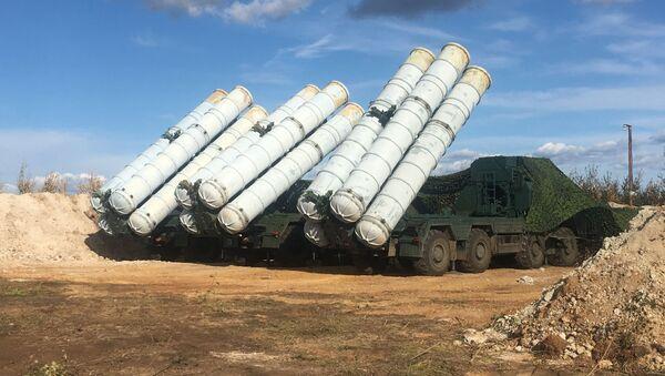 Зенитный ракетный комплекс С-400 Триумф - Sputnik Латвия