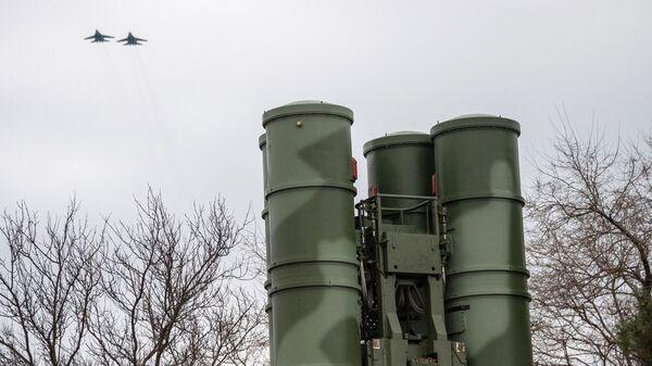 Комплекс ПВО С-400 Триумф - Sputnik Latvija