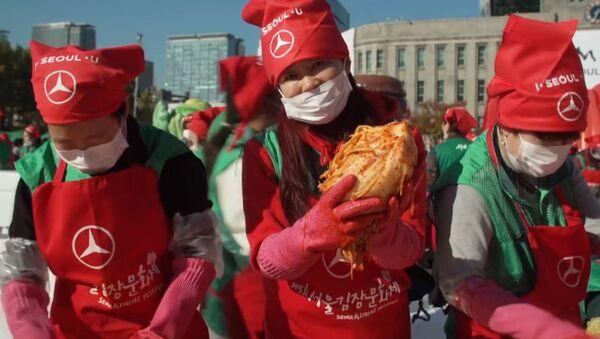 Фестиваль кимчи в Корее - Sputnik Латвия