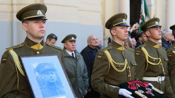 Adolfa Ramanauska-Vanaga mirstīgo atlieku pārapbedīšana Viļņā  - Sputnik Latvija