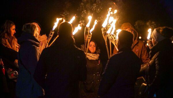 Факельное шествие в Риге - Sputnik Latvija